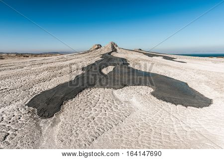 Mud volcano, The eruption of the mud volcano