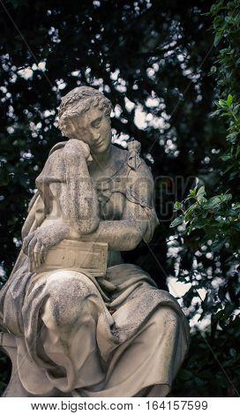 Male statue in boboli gardens in the thinking pose