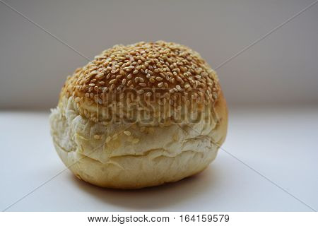 bun with sesame seeds, appetizing bun, bun for sandwich