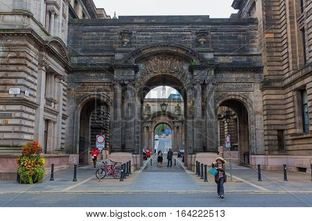 Historic Archway In The Old Town Of Glasgow
