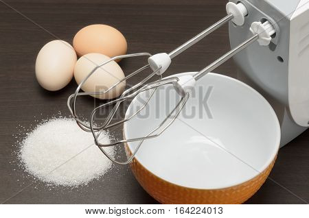 ingredients for meringue cake are on the kitchen table