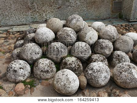 the heap of ancient stone kernel canno nball