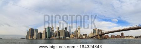 Panoramic view of lower manhattan from brooklyn side.