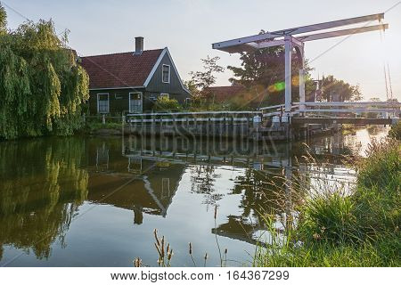 Haaldersbroek is a hamlet in Zaanstad and is located in the southeast of Kalverpolder and next to Zaanse Schans. The oldest house in Haaldersbroek dates from 1661 and is a former fishing village