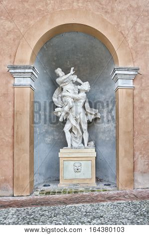 More than one and half hundred statue: Wonderful reproduction of Rape of Proserpina