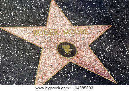 LOS ANGELES CALIFORNIA USA- JUN 01 2015 - roger moore's star at the Hollywood's Walk of Fame