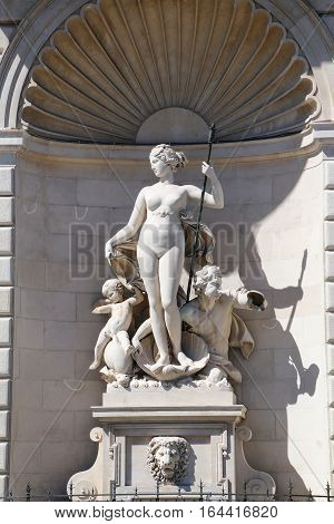 Statues On The Facade Of Palazzo Del Lloyd Triestino On Piazza Unita D'italia, Trieste, Italy