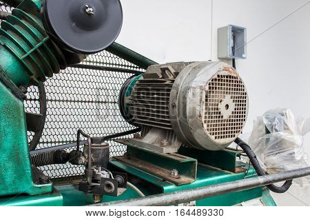 The electrical motor 3 phase with air compressor