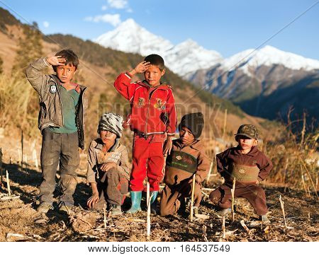 SIM VILLAGE WESTERN NEPAL - 15TH OF NOVEMBER 2013 - group of unidentified nepalese children in western Nepal trek from Dunai to Jumla