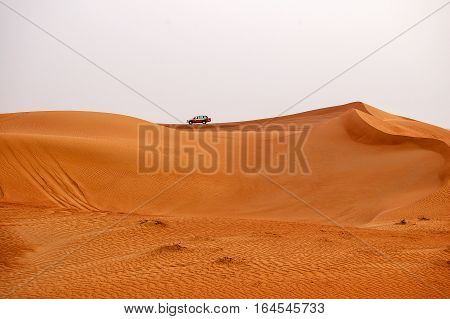 4WD safari on the sand dunes of Dubai