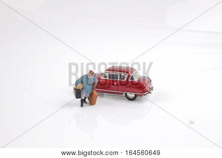 The Fun Figure Carrry The Luggage