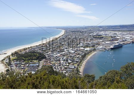 The view from the top pf the Mount to Mount Maunganui resort town (Tauranga).