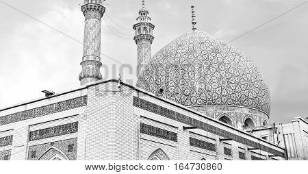 In Iran  And Old Antique Mosque    Minaret