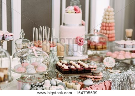Pink Assortie Of The Cakes And Cupcakes