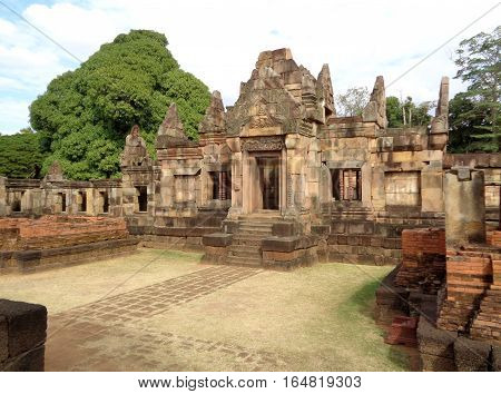 Stunning Ancient Shrine of Prasat Hin Muang Tam Shrine Complex, Buriram, Thailand
