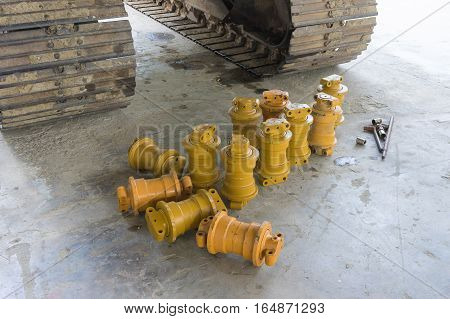 Backhoe Track With Roller Repair Part Or Spare Part.
