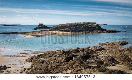 View on Grand Be island in low-tide, Saint-Malot, Bretagne, France