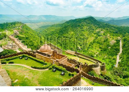 Ramparts And Walls Of Kumbhalgarh Fort And Surrounding Hills, Rajasthan, India