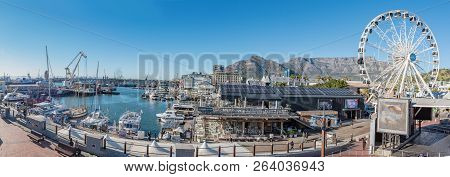 Cape Town, South Africa, August 9, 2018: A Panorama Of  The Victoria And Alfred Waterfront In Cape T
