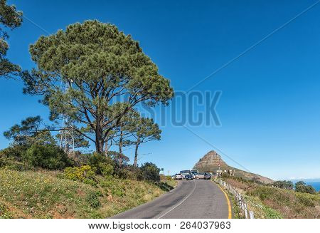 Cape Town, South Africa, August 9, 2018: The Road Leading To The Top Of Signal Hill In Cape Town. Li