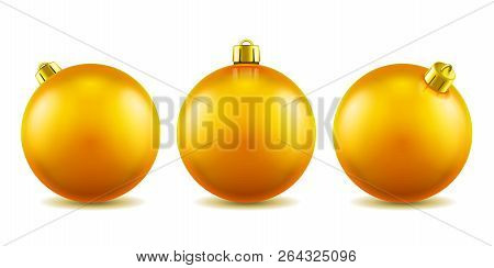 Set Of Isolated 3d Toys For 2019 New Year Or Realistic Golden Baubles For Ornamenting Christmas Tree