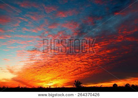 Spectacular Sunset Colors Over The Landscape Of Central Florida