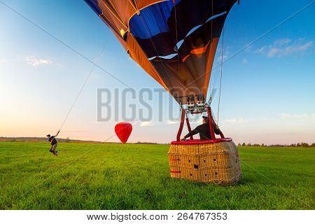 Hot Air Balloon Landing Hot Air Balloon Landing