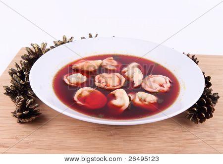 Red borscht with dumplings