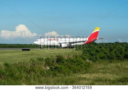 Frankfurt Germany 18.11.19 Iberia Spanish Airline Airplane Jet Being Starting On The Airport Ready F