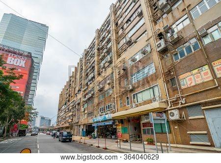Hong Kong - 2020: Flourish Industrial Building - An Old Building With A Shabby Facade, Numerous Air