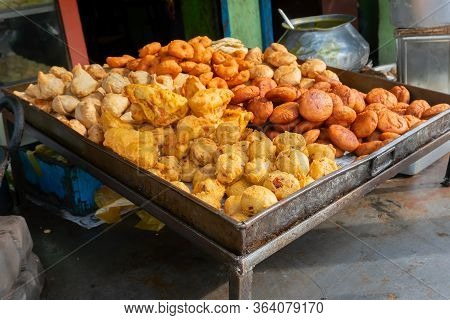 Piiyaji, Gulgula, Bara, Aloo Chop, Mangso Chop, Etc, Are Being Sold By Cart Puller Called Thelawalla