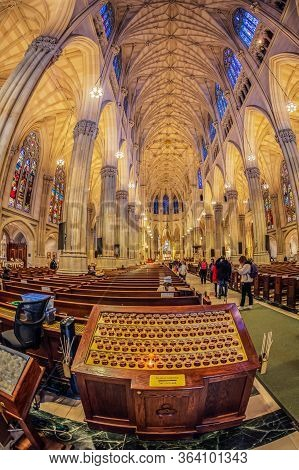 New York, Usa - March 6, 2020: Interior Of Saint Patrick Cathedral Decorated In Neo-gothic Catholic