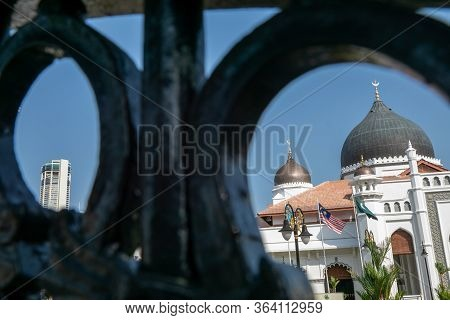 Masjid Kapitan Keling, Pulau Pinang With Foreground Door Structure.
