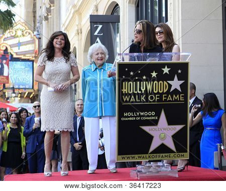 LOS ANGELES - AUG 22:  Jane Leeves, Betty White, Valerie Bertinelli, Wendie Malick at the ceremony for Valerie's Hollywood Walk of Fame Star at Hollywood Blvd. on August 22, 2012 in Los Angeles, CA