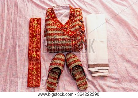 Set Of Cloths For Hindu Groom ,amazing Hindu Wedding Ceremony. Details Of Traditional Nepali Indian