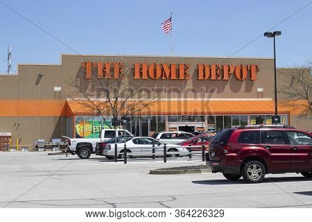 Lafayette - Circa May 2020: Home Depot Location Flying The American Flag. Home Depot Is The Largest