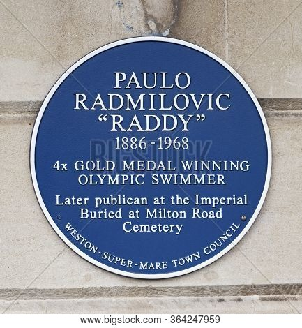 Weston-super-mare, Uk - July 23, 2019: A Blue Plaque On The Wall Of The Imperial Hotel Commemorating