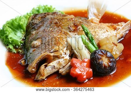 Sea Bass (mangrove Red Snapper) Kabutoni Or Mangrove Red Snapper Boiled Soy Sauce