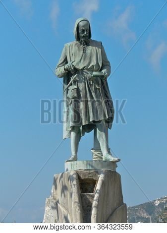 in Amalfi the monument to Flavio Gioia the allegend inventor of the sailor's compass