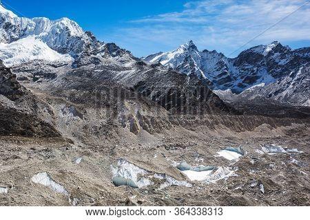 Khumbu Glacier View. Nepal, Sagarmatha National Park