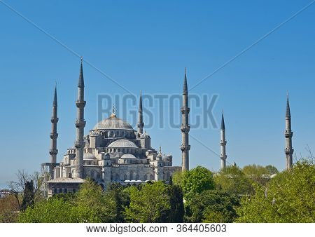 Blue Mosque Or Sultanahmet Camii In Istanbul, Turkey. Scenic View Of The Beautiful Blue Mosque In Su