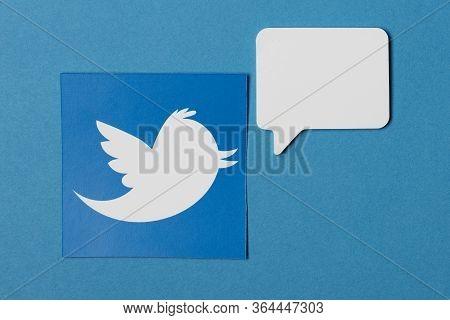 Oxford, Uk - Jan 7 2017: Twitter Social Network Logo With A Blank Speech Bubble