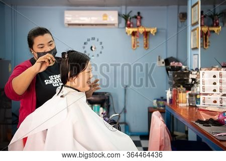 Bangkok, Thailand - February 2, 2020 : Unidentified Asian Woman Hairdresser Or Hairstyle Haircut A W