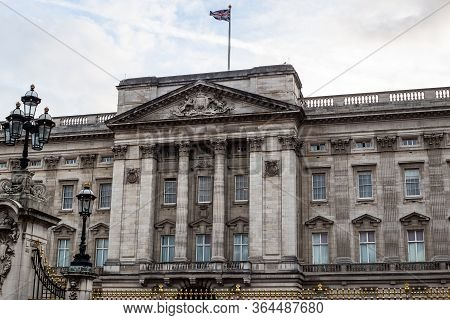 London, Uk - October 8, 2018: View Of Buckingham Palace On A Cloudy Day