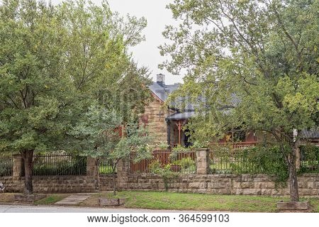Harrismith, South Africa - March 16, 2020:  An Old, Histroric Sandstone House In Harrismith In The F