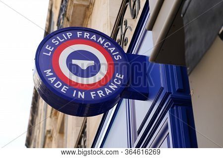 Bordeaux , Aquitaine / France - 09 18 2019 : Le Slip Francais French Is A Made In France Company Mea