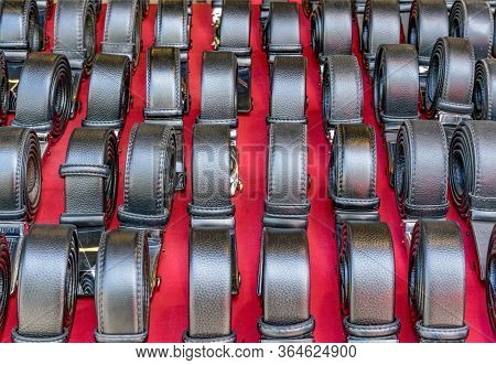 Leather Men Belts With Buckles For Sale Market.