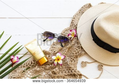 Sunscreen Spf50  Cosmetics Health Care For Skin Face With Crochet ,flowers Frangipani ,sunglasses ,h