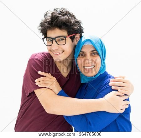 Muslim mother and son higgong