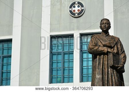 Manila, Ph - November 10 - Colegio De San Juan Letran Vicente Dela Paz Statueon November 10, 2018 In